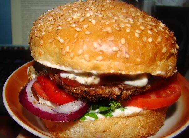 Веган-бургер с соевой котлетой