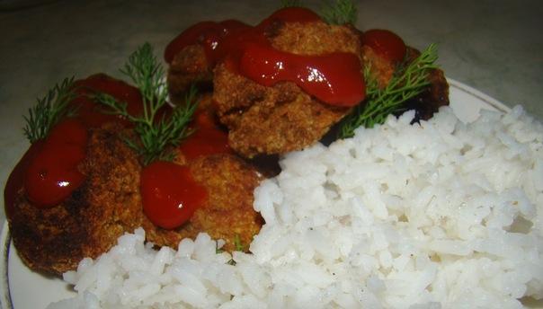 Соевые фрикадельки и рис