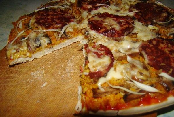Пицца с веганской салями