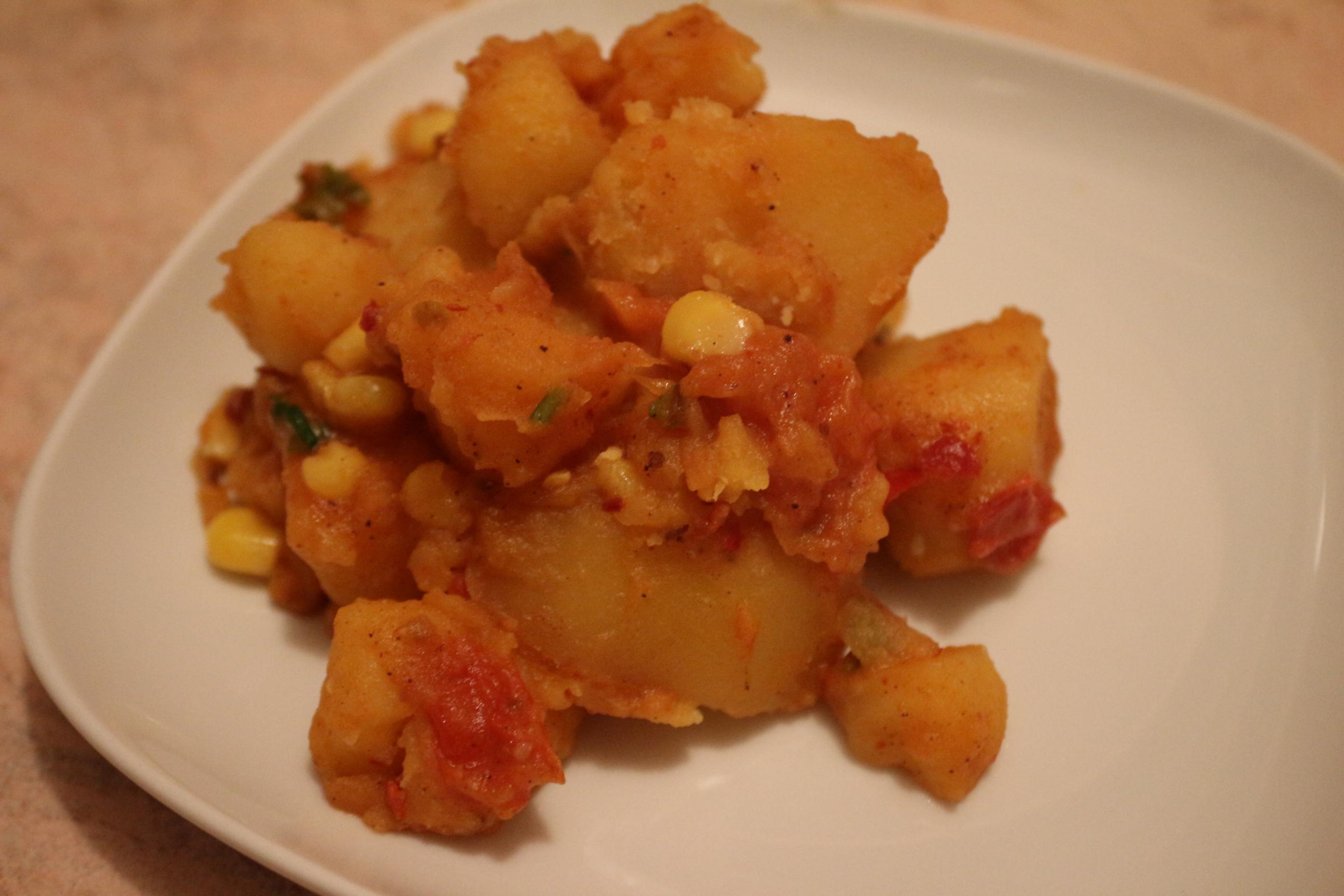 Пряный картофель с овощами