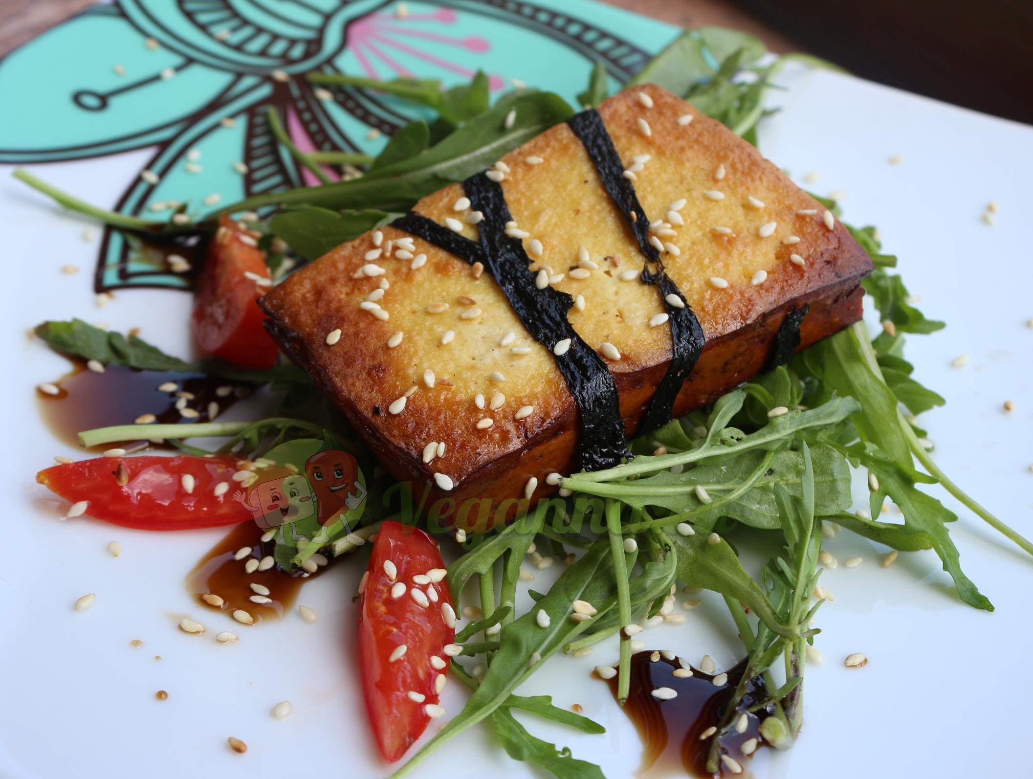 Тофу — стейк с гранатовым соусом