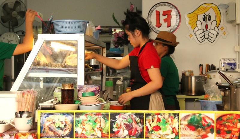 Обзор веганского кафе Jay Mai Jam Jay (Dee J Delivery), Чиангмай